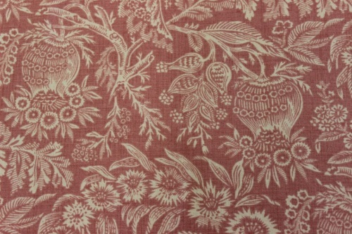 Atelier De France Cotton - Beige Jacobean style flowers on soft rust background